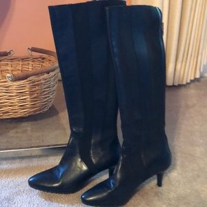 Tahari Fiore black leather and stretch boots Sz 7
